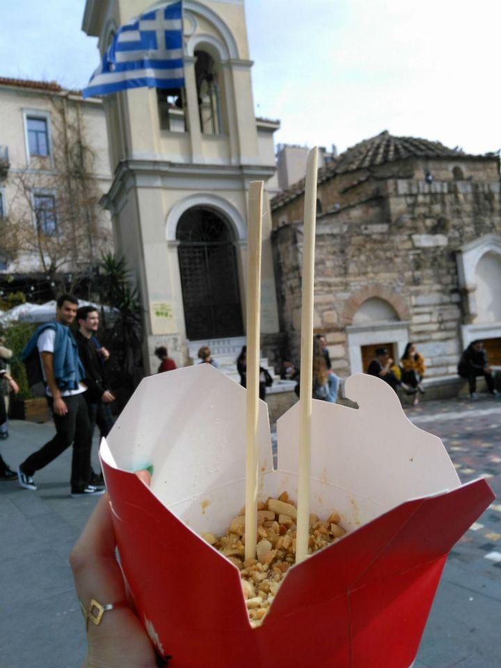 """טיול ליוון, איפה לאכול באתונה, מסעדות מומלצות באתונה, חופשה באתונה, טיסות לחו""""ל, טיפים לאתונה, סיוון סטרומזה, לטייל לבד"""