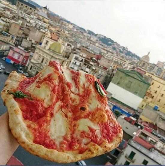 נאפולי, איטליה, סיוון סטרומזה, טיול לאיטליה, חופשה בנאפולי, LA CASA DI GIORGIO, לטייל לבד, טיסות לאיטליה, אוכל איטלקי